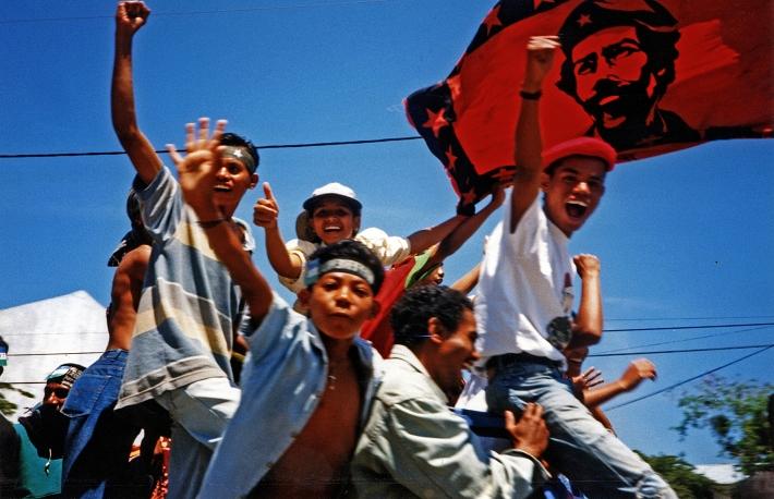 CNRT rally Dili 07'99-26